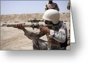 Iraqi Military Greeting Cards - Iraqi Army Sergeant Sights Greeting Card by Stocktrek Images