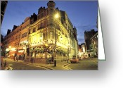 City Lights And Lighting Greeting Cards - A London Pub At Night Greeting Card by Richard Nowitz