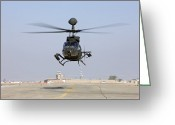 Iraq Greeting Cards - An Oh-58d Kiowa Warrior Hovers Greeting Card by Terry Moore