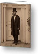 Military Pictures Greeting Cards - Lincoln Leaving a Building Greeting Card by Ray Downing