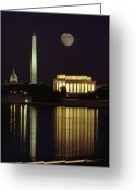 Lincoln Memorial Photo Greeting Cards - Moonrise Over The Lincoln Memorial Greeting Card by Richard Nowitz