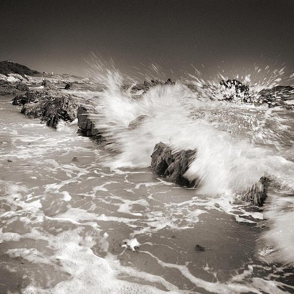 Bolonia Waves Print by Guido Montanes Castillo