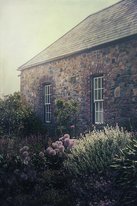 British Cottage Print by Joana Kruse