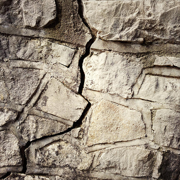 Cracked Wall Print by Les Cunliffe