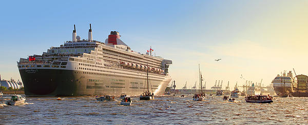 Queen Mary 2 Print by Marc Huebner