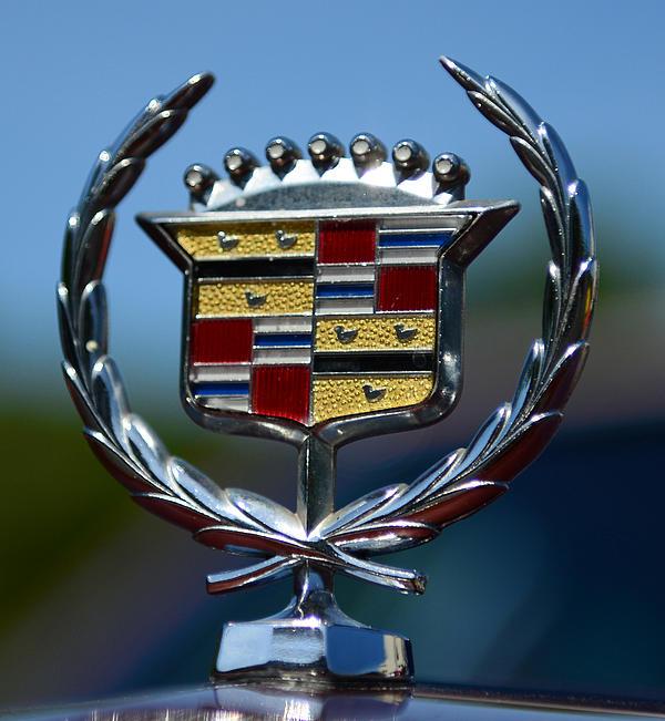 Cadillac Fleetwood Emblem