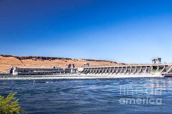 Mcnary Dam Print by Robert Bales