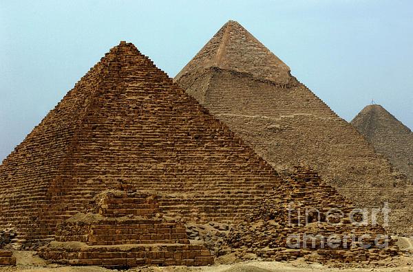 Pyramids At Giza Print by Bob Christopher