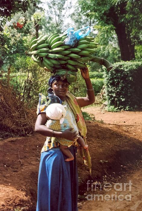 Andrea Simon - Woman with Bananas