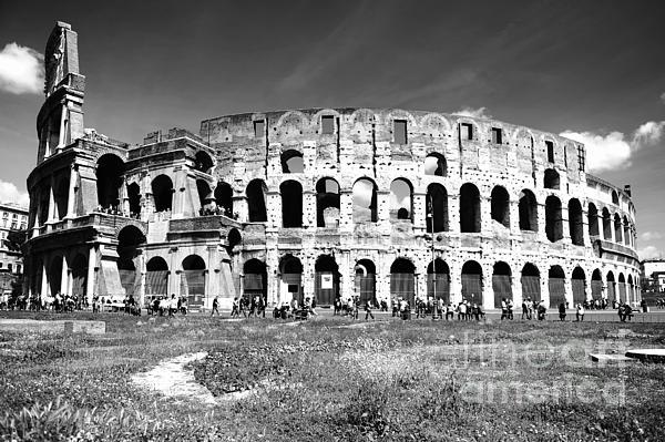 Colosseum Print by Stefano Senise