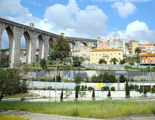 Kay Gilley - Aguas Livres Aqueduct