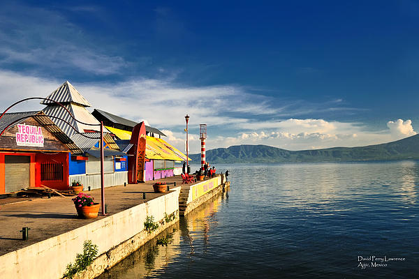 chapala women Expat exchange: 10 tips for living in lake chapala, mexico lake chapala is one of mexico's most popular expat destinations  the craftsmen and women,.