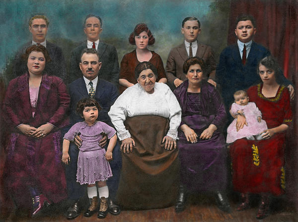 Mike Savad - Americana - This is my family 1925