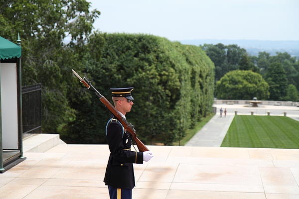 Arlington National Cemetery - Tomb Of The Unknown Soldier - 01135 Print by DC Photographer