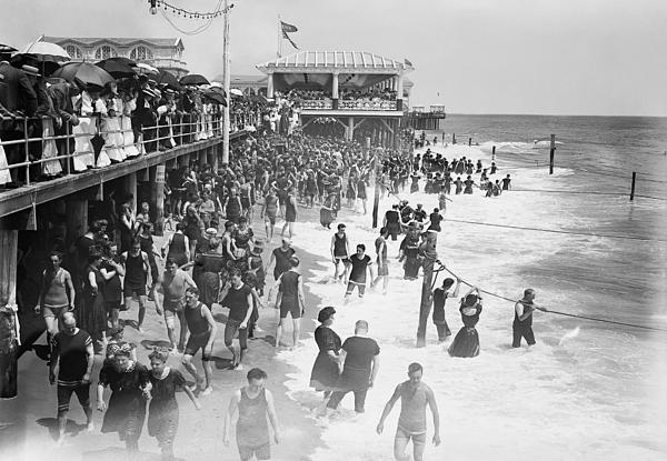 Asbury Park - New Jersey - 1908 Print by Daniel Hagerman