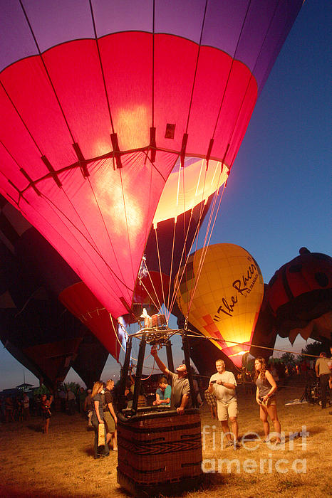 Balloon-glow-7831 Print by Gary Gingrich Galleries