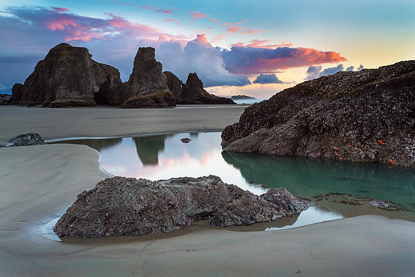Bandon By The Sea Print by Robert Bynum