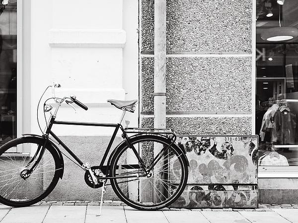 Black Vintage Bicycle Print by Jimmy Karlsson