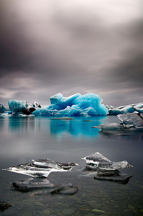 Dirk Ercken - Blue glacier ice Iceland