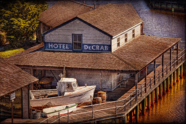 Boat - Tuckerton Seaport - Hotel Decrab Print by Mike Savad