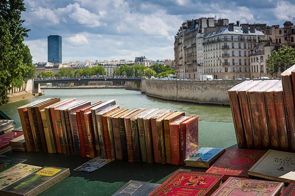 Bouquinistes Le Long De La Seine Print by Inge Johnsson