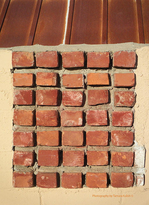 Tamara Kulish - Brick Grid