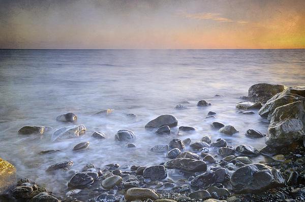 Guido Montanes Castillo - Brights rocks at sunset