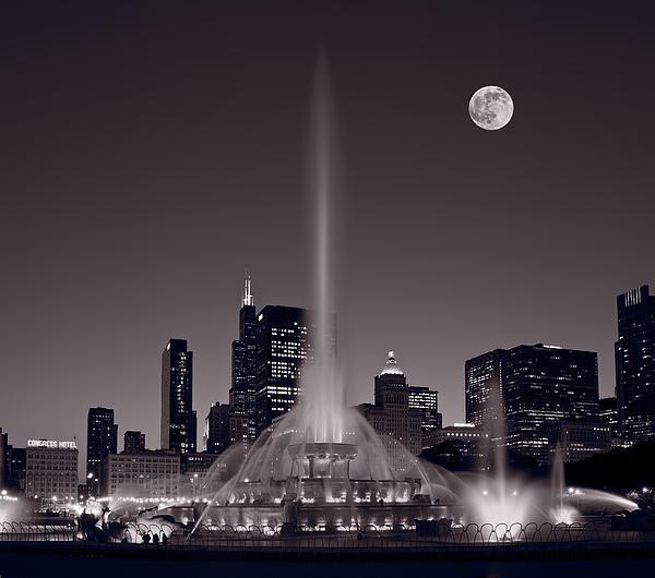 Buckingham Fountain Nightlight Chicago Bw Print by Steve Gadomski