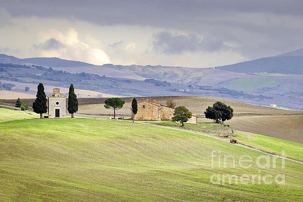 Capella De Vitaleta Church Near Pienza Tuscany Italy Print by Robert Leon