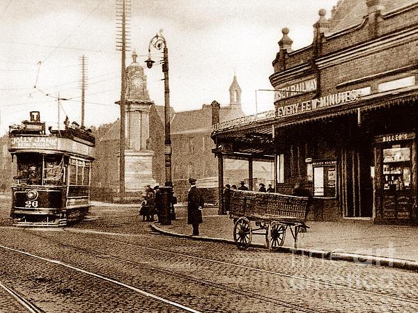Central Railway Station Birkenhead England By The Keasbury