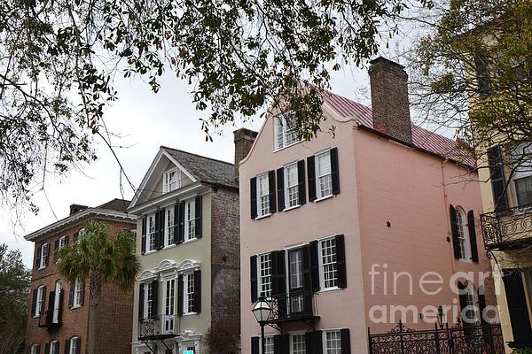 Charleston south carolina rainbow row historic homes for Charleston row houses