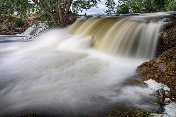 James BO  Insogna - Chasing Waterfalls