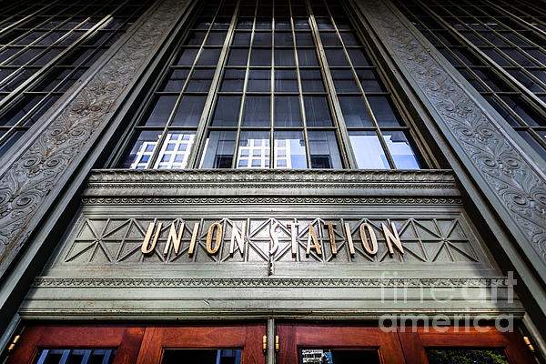 Chicago Union Station Sign And Entrance Print by Paul Velgos