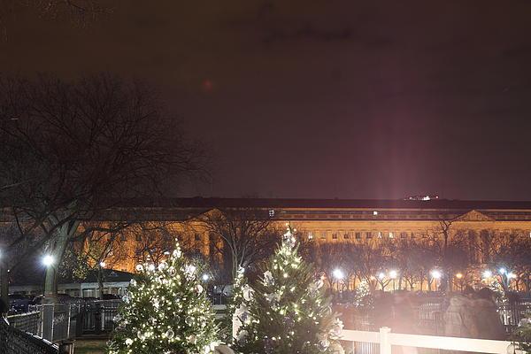 Christmas At The Ellipse - Washington Dc - 01134 Print by DC Photographer