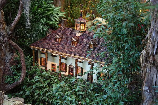 Christmas Display - Us Botanic Garden - 011342 Print by DC Photographer