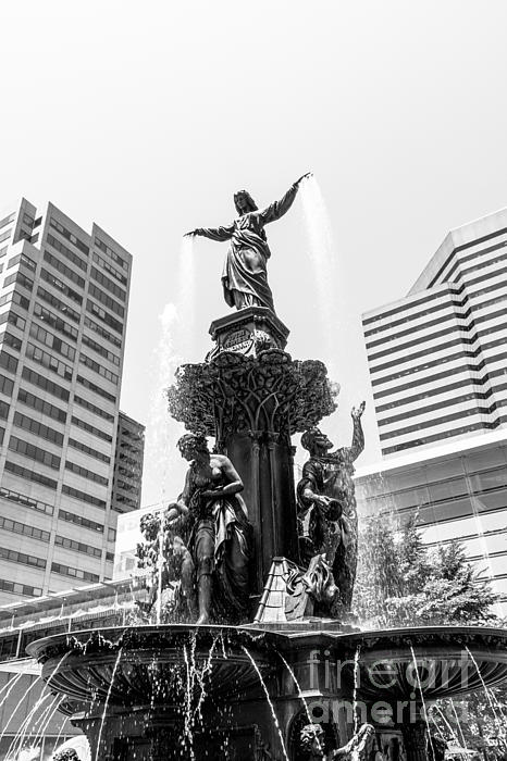 Cincinnati Fountain Black And White Picture Print by Paul Velgos