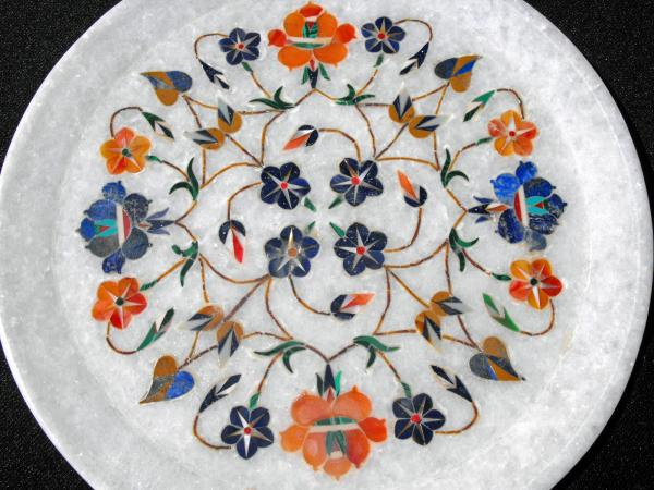 Contemporary Indian Marble Plate Decorated With Inlaid