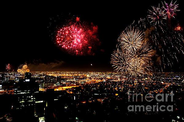 Dazzling Fireworks IIi Print by Ray Warren
