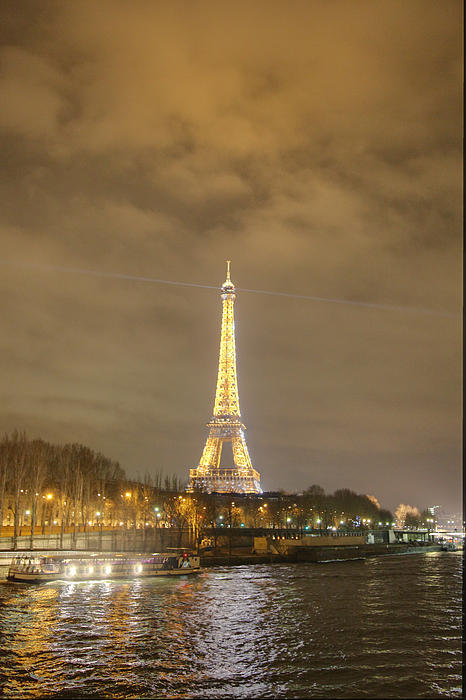 Eiffel Tower - Paris France - 011342 Print by DC Photographer