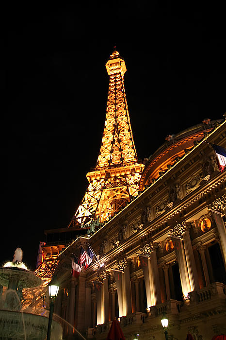 Eiffel tower paris hotel las vegas by jon berghoff for Hotels around eiffel tower