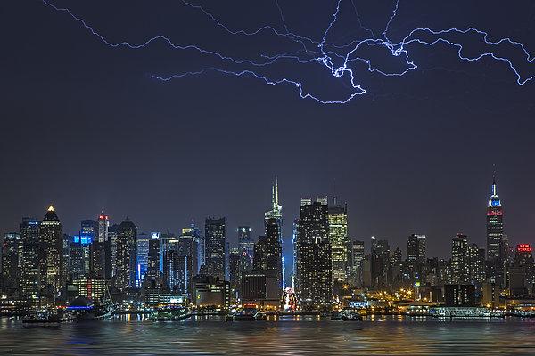 Electrifying New York City Print by Susan Candelario