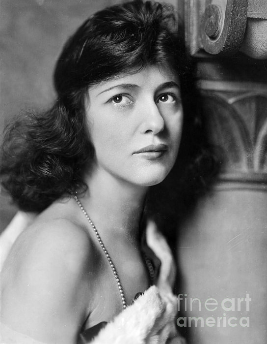 Evelyn Nesbit Print by Granger