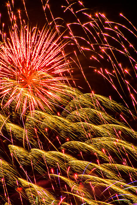 Fireworks 2008 Series 1 Print by Chris Tobias
