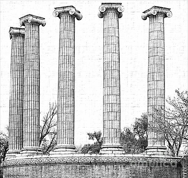 Five Columns Sketchy Print by Debbie Portwood