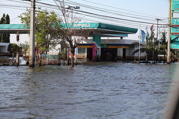 Flooding Of Stores And Shops In Bangkok Thailand - 01133 Print by DC Photographer