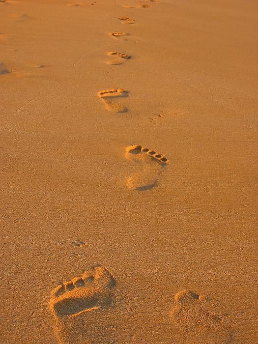 Andreas Thust - Footprints in the Sand