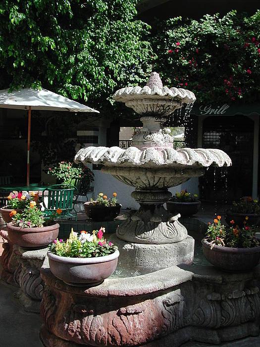 Garden Fountain Print by Pat Knieff