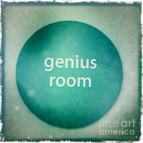 Nina Prommer - Genius Room