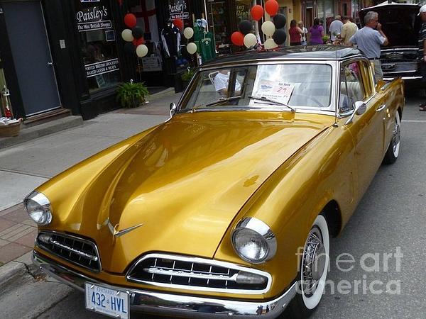 Lingfai Leung - Golden car