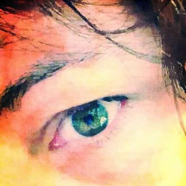Beth Williams - Green Eyes